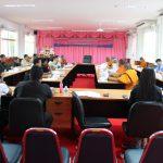 การประชุมผู้บริหาคคณาจารย์ เจ้าหน้าที่ ครั้งที่ ๕/๒๕๖๐ ณ ห้องประชุม ๑๐๑ พระพรหมสิทธิ
